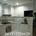 gambar kitchen set dengan island