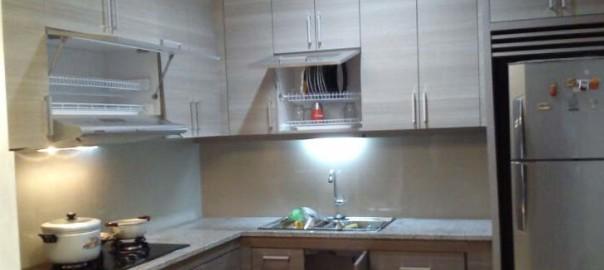 Jenis material menentukan biaya kitchen set per m lari for Biaya kitchen set