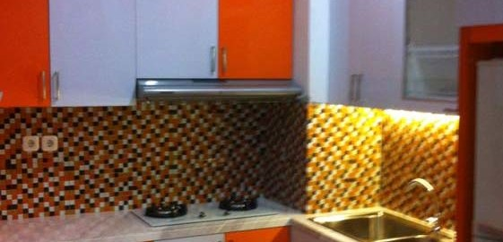 Desain Dapur Lemari Gantung Tempat Kompor Dan Cuci Piring Memiliki Nilai Lebih