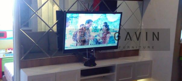 Backdrop Tv Dengan HPL Klien Di pakubuwono