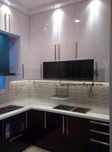 Gambar Kitchen Set Dengan HPL White Glossy