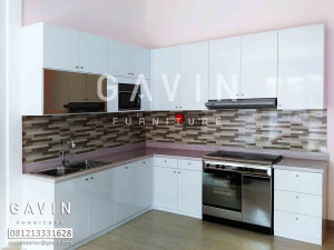 Gavin furniture produksi kitchen set di graha raya bintaro for Kitchen set warna putih