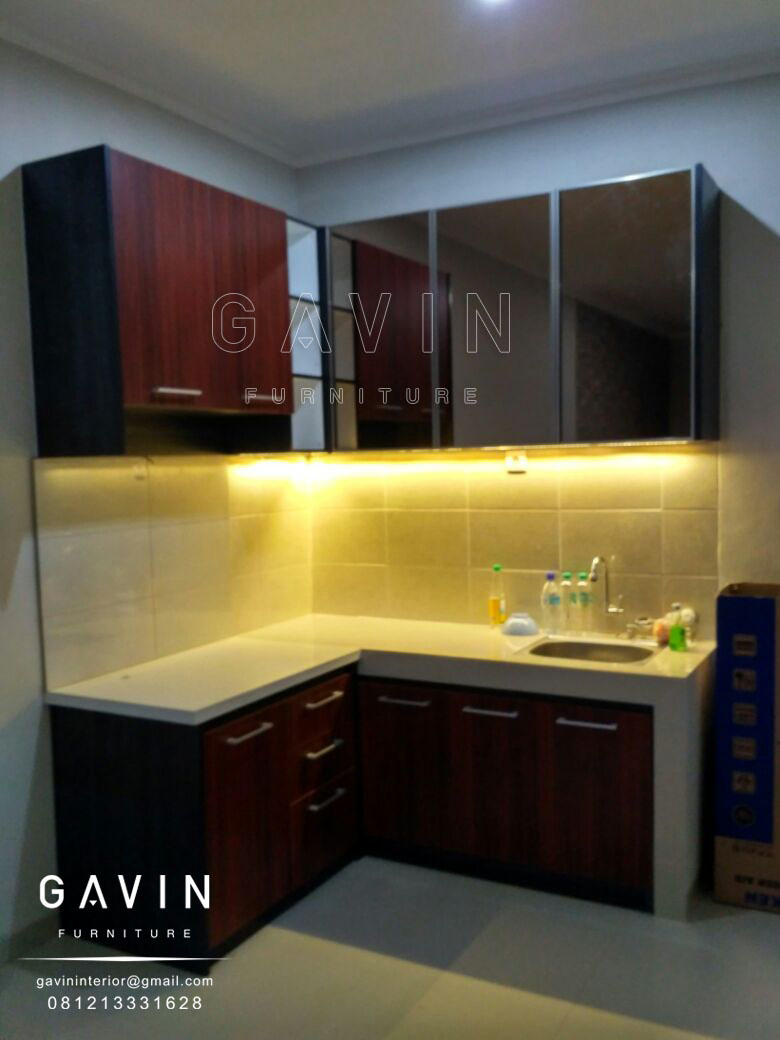 Contoh kitchen set minimalis cermin bronze kitchen set for Contoh kitchen set minimalis