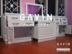 meja-make-up-custom-by-gavin