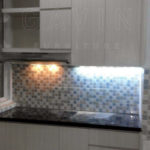pembuatan-kitchen-set-minimalis-di-graha-raya-by-gavin