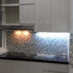 pembuatan-kitchen-set-minimalis-di-graha-raya-by-gavin
