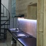 pembuatan kitchen set minimalis finishing hpl kayu di cempaka putih