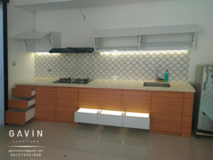 Q2639 jual kitchen set minimalis kombinasi finishing hpl