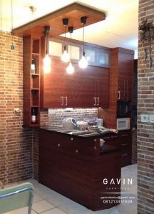 design kitchen set dan meja bar minimalis warna coklat project di tanah sereal by gavin Q2945