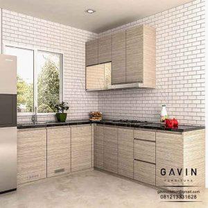 contoh desain lemari dapur letter L HPL warna coklat minimalis di Petukangan Q3097