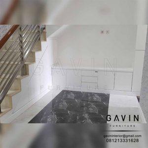 contoh lemari di bawah tangga minimalis by Gavin Q2776