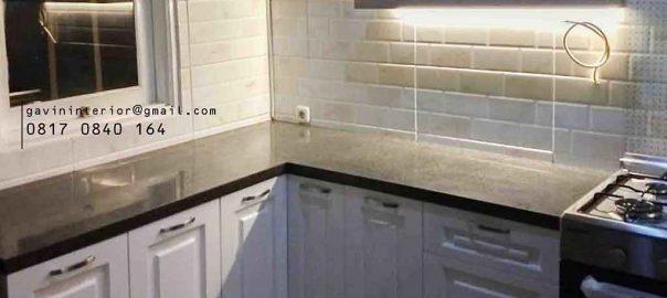design kabinet dapur bawah semi klasik putih project di Bintaro id3359