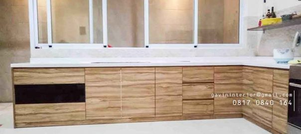 model kabinet bawah dapur warna coklat muda finishing hpl project di pluit id3251