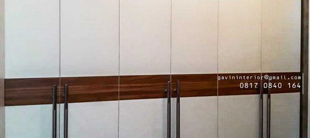 gambar lemari pakaian pintu swing design minimalis project di Pamulang id3427