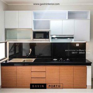 design lemari dapur bentuk i minimalis warna kombinasi di Bintaro id3488