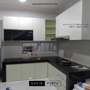 contoh model kitchen set minimalis warna putih di BSD id3520
