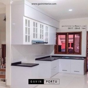 model kitchen set warna putih klasik minimalis di Jagakarsa id3435