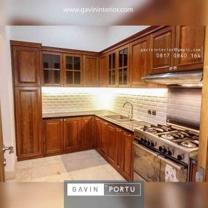 design kitchen set klasik letter L warna natural Gavin by Portu id3851