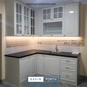 contoh design kitchen set semi klasik warna putih letter l di Cikupa id3954