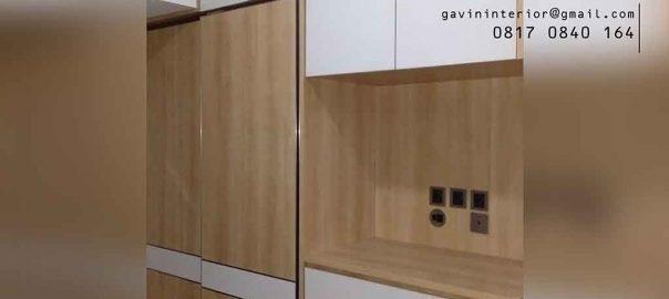 contoh lemari pakaian sliding dengan rak tv di Kemayoran id3911
