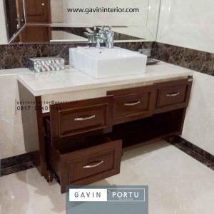 meja wastafel kayu desain klasik warna coklat Gavin by Portu id3616