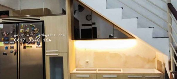 gambar design kitchen set dibawah tangga letter i id3662