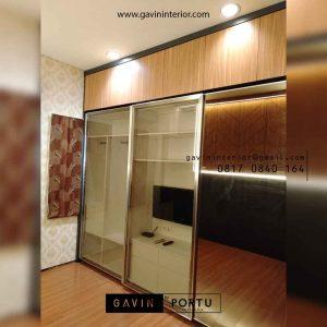 lemari pakaian pintu sliding kombinasi cermin dan hpl di Tebet Gavin by Portu id4301