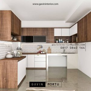 Kitchen set two-tone FInishing HPL warna putih kombinasi Motif kayu