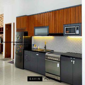 Buat Kitchen Set Warna Grey & Motif Kayu Perumahan Kayu Putih Residence Pulo Gadung Jakarta Id4832P