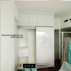 Lemari Pakaian Sliding Putih Apartemen Marbella Kemang Residence Mampang Prapatan Jakarta Selatan Id4774P