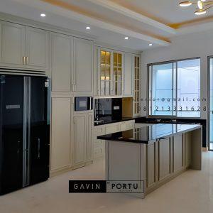 Design Kitchen Set Klasik Putih Doff Cluster Violin Golf Island Pik Penjaringan Jakarta Utara ID4969P
